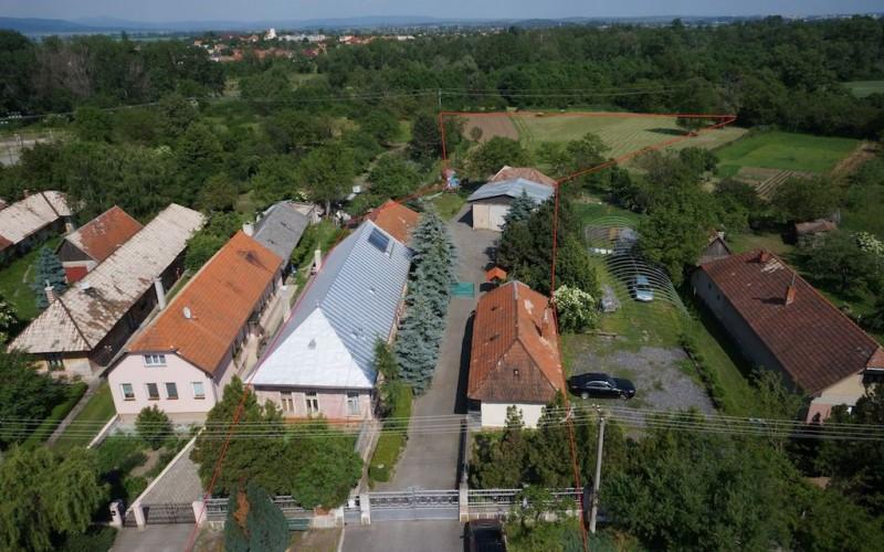 RD Nový Tekov s rozsiahlym pozemkom - DSC09876x_e53a9db3fe43d98d37a4233e9dc6dfc1