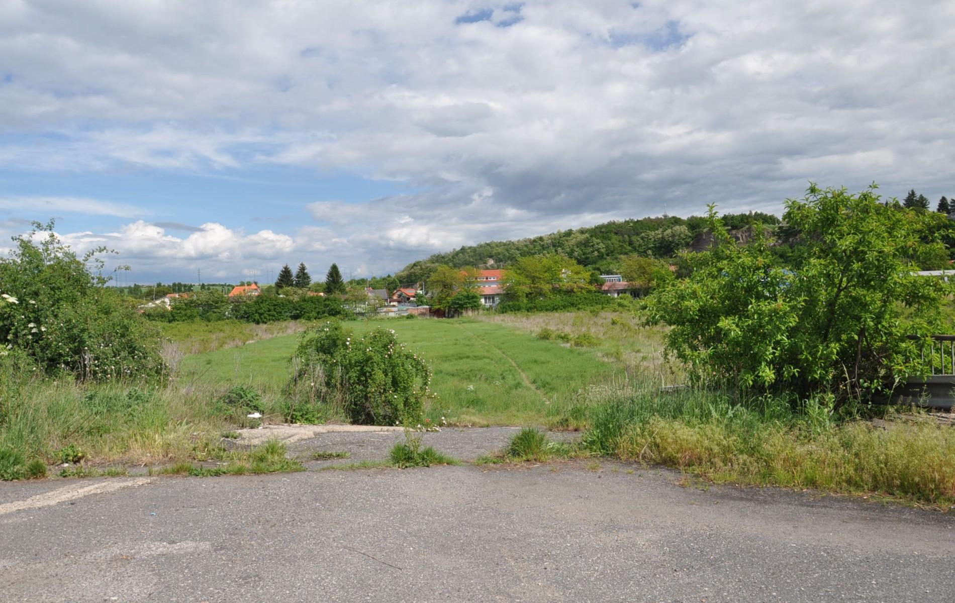 Pozemok blízkosti centra mesta Levice - DSC_0001_1