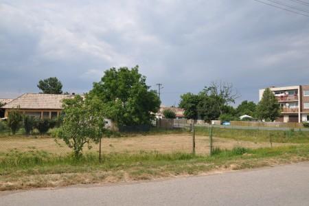 Na predaj široký stavebný pozemok v Hronovciach - DSC_0026_5938dd7d4591797ceb7c8fd0326e3d00