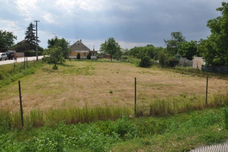Na predaj široký stavebný pozemok v Hronovciach - DSC_0030_e9f2940598363801a67eff22a02ee411