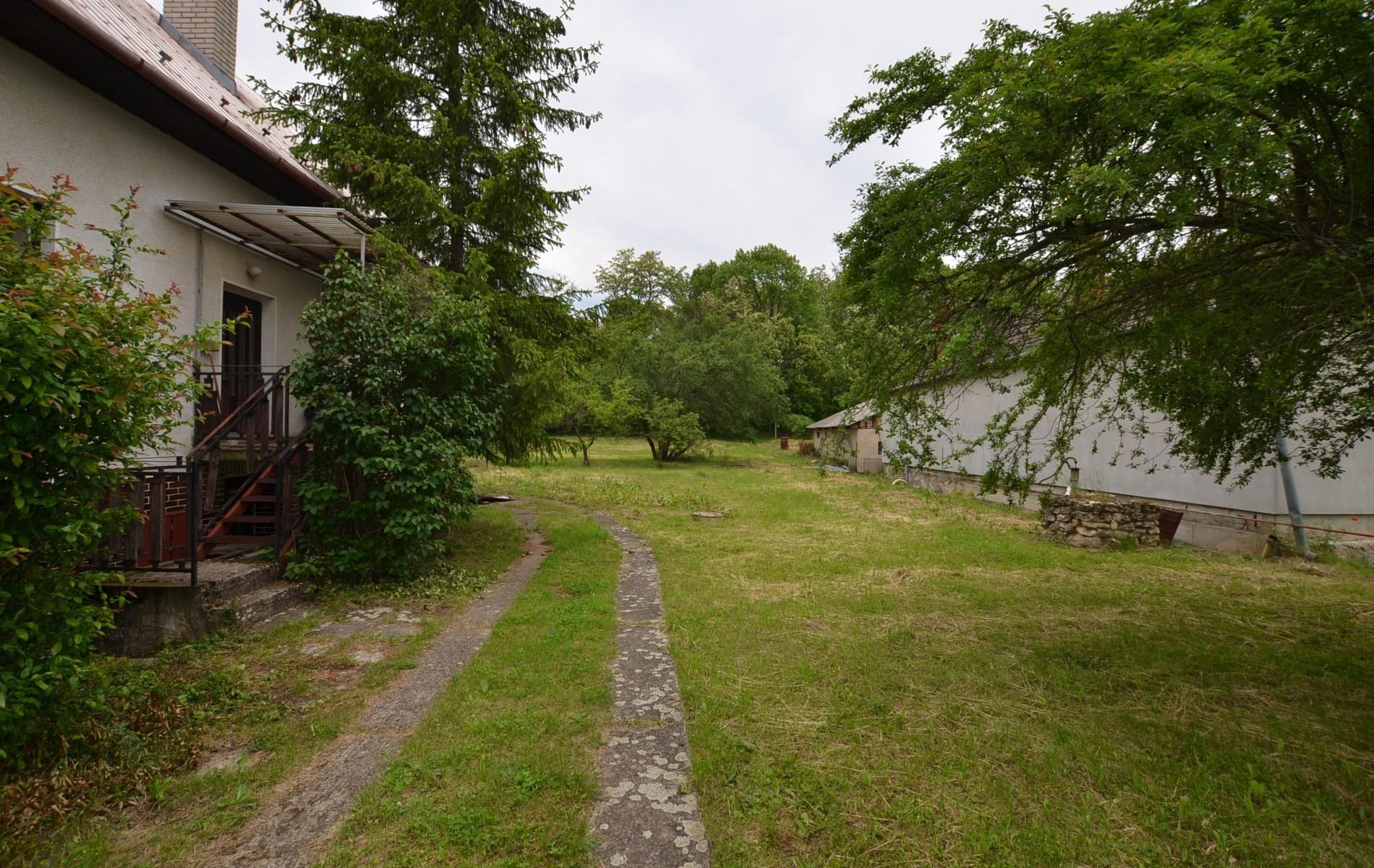 Rodinný dom v Kalinčiakove s pekným pozemkom - DSC_0137