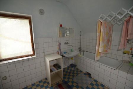 Rodinný dom v Kalinčiakove s pekným pozemkom - DSC_0125_ec6f4df3de8cd99d1396fe37b437e5d7