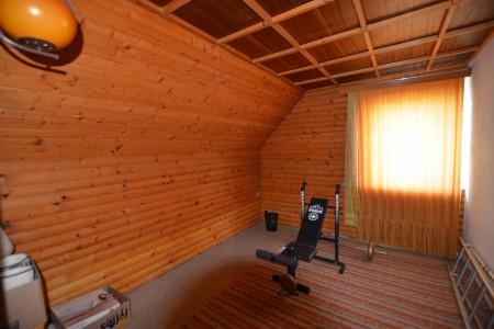 Rodinný dom v Kalinčiakove s pekným pozemkom - DSC_0128_51a32755ce9f37fe96a49d8f78b79832