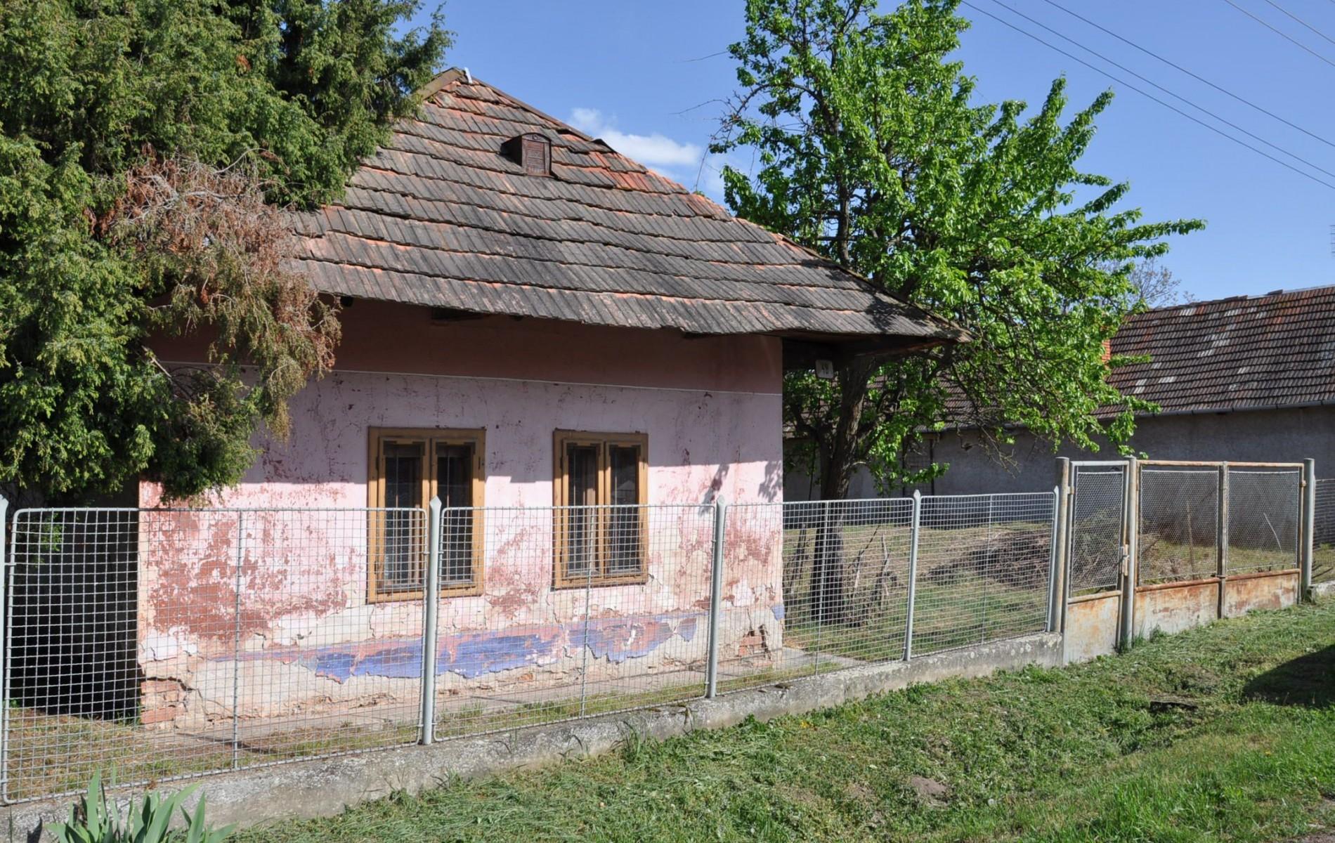 Vidiecky rodinný dom spekným pozemkom - DSC_0169