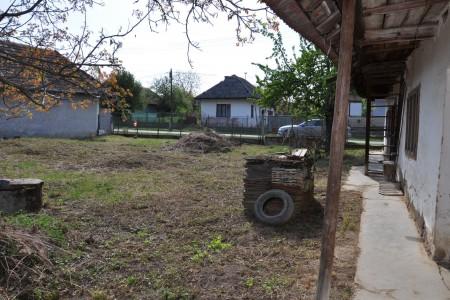 Vidiecky rodinný dom spekným pozemkom - DSC_0172_bdeb14be605356d0cf61f187da7da62e