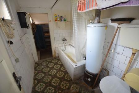 Vidiecky dom s krásnym pozemkom v Drženiciach - DSC_0194_25ed0a37ea15429e5b466d604616381e