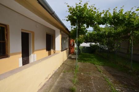 Vidiecky dom s krásnym pozemkom v Drženiciach - DSC_0200_aabaa7d61f8fbc7ab95c631dd2f7fbd5