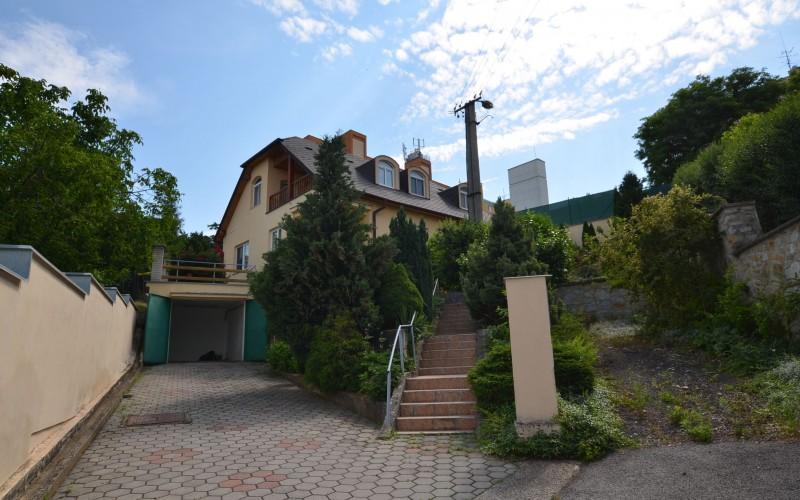 Nová cena! Ponúkame na predaj rodinný dom v Leviciach - DSC_0249_6ea59283e5c8795f11a160d0c0a05049
