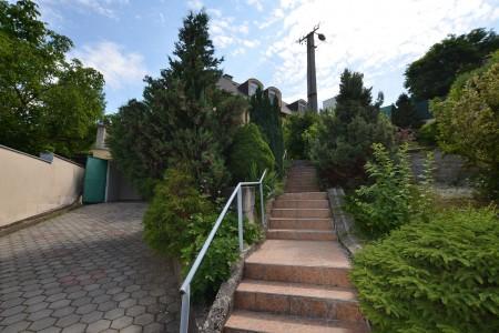 Ponúkame na predaj krásny rodinný dom v Leviciach - DSC_0250_6fcf74c412c6f629b920ac150026225d