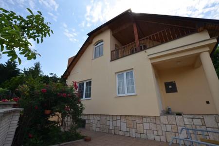 Ponúkame na predaj krásny rodinný dom v Leviciach - DSC_0257_51871259f411aef570f4bd7f38da2d58