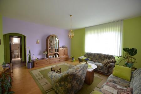 Ponúkame na predaj krásny rodinný dom v Leviciach - DSC_0261_1fec6081e6ea6e44256feda02dbe39b4