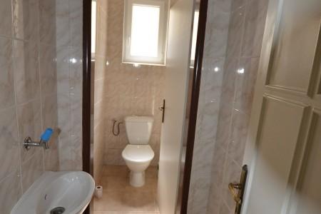 Ponúkame na predaj krásny rodinný dom v Leviciach - DSC_0263_81e97bd504dc8a96f8675008cfc920eb