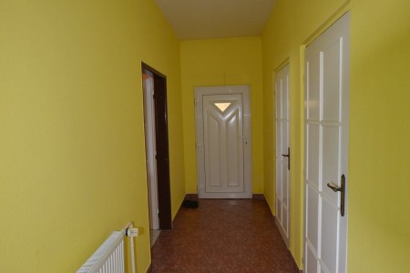 Ponúkame na predaj krásny rodinný dom v Leviciach - DSC_0265_c6d42d52cf41770cf363d2cac55c563e