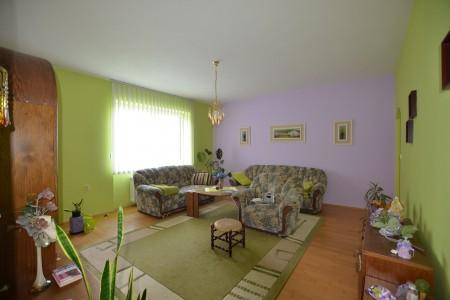 Ponúkame na predaj krásny rodinný dom v Leviciach - DSC_0266_8d65866efcffaf656dabe4c771fd1b0f