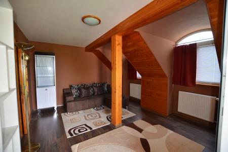 Ponúkame na predaj krásny rodinný dom v Leviciach - DSC_0284_1049d701548b80582ab9951124242314