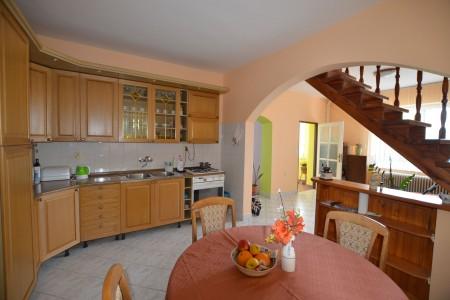 Ponúkame na predaj krásny rodinný dom v Leviciach - DSC_0334_a10bc3f82ffa6996438dd161986a376a