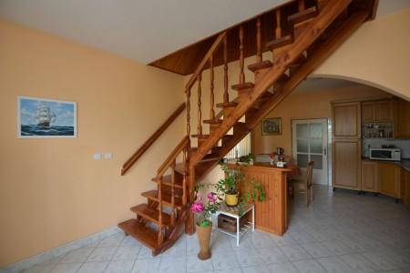 Ponúkame na predaj krásny rodinný dom v Leviciach - DSC_0336_4bc7d907422b5b84ba4d9f5562a98798