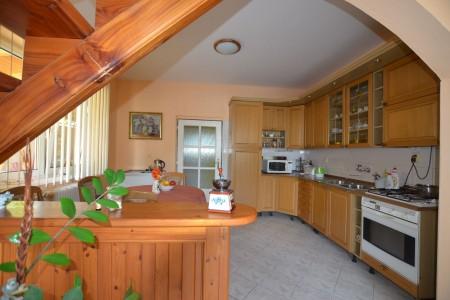 Ponúkame na predaj krásny rodinný dom v Leviciach - DSC_0337_744a56c83445210d35936e4e3d10df20