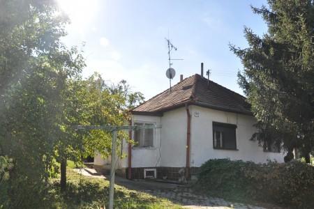 Na predaj rodinný dom Čaka - DSC_0339_aa0d8e88d4bdc762434fcce7970a7620