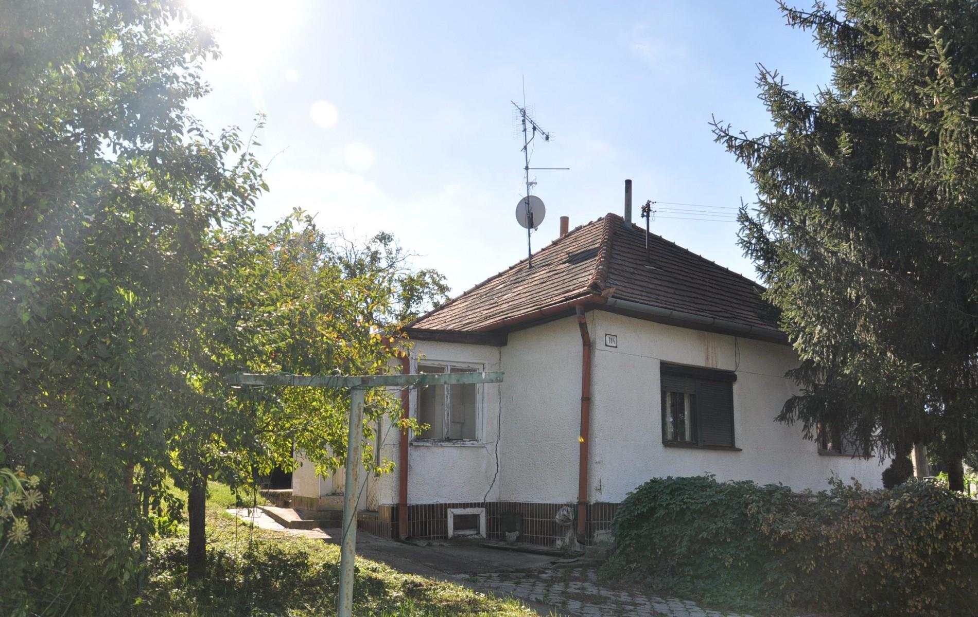 Na predaj rodinný dom Čaka - DSC_0331