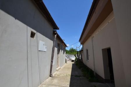 Ponúkame na predaj RD vhodný na podnikateľské účely s veľkou garážou, nadstavaným podkrovným bytom - DSC_0421_b12b77fed796b15daef85900d4e7990d