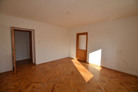 Na predaj 4 izbový byt v Leviciach - tehlový - DSC_0453_76b5233c7d839e6f6fdb94bbf739517d