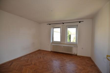 Na predaj 4 izbový byt v Leviciach - tehlový - DSC_0457_f33da443b9d2f87d327c6e03e35228ca