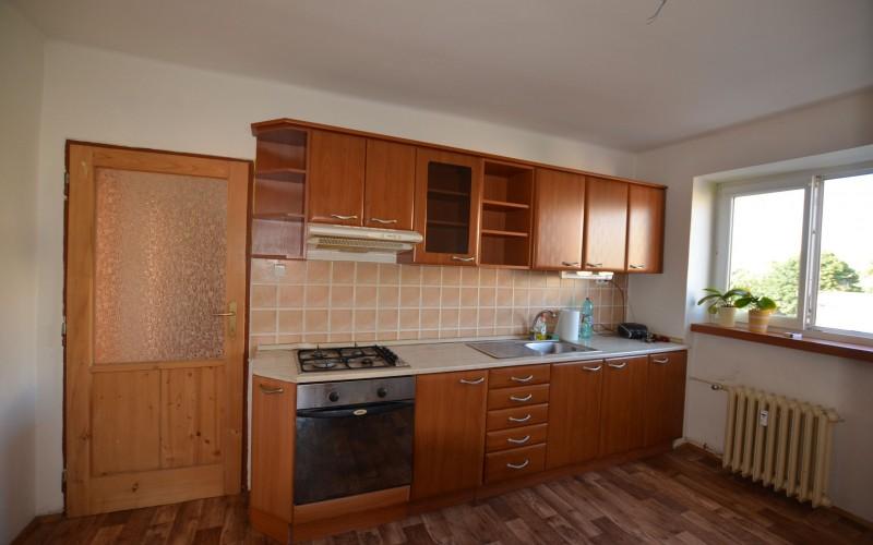 Na predaj rekonštruovaný 4 izbový byt v Leviciach  - DSC_0458_3ca80cb6c890fd5791f1a97eb8a39611
