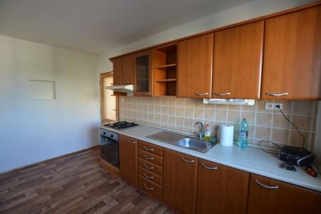 Na predaj 4 izbový byt v Leviciach - tehlový - DSC_0461_8a9bf36e41cac06ca50fdf8ce6219088
