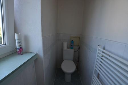 Na predaj 4 izbový byt v Leviciach - tehlový - DSC_0465_e01f5aef48d3994c2909d0b5f6c89c71
