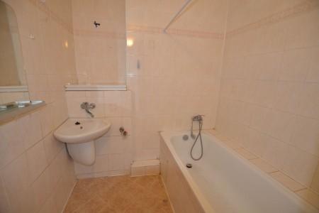 Na predaj 4 izbový byt v Leviciach - tehlový - DSC_0468_f529e2c2f0ccf038a7b7b2069a6df055