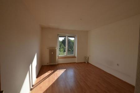 Na predaj 4 izbový byt v Leviciach - tehlový - DSC_0471_8f2214d7eb8ddcd35dbb225f007e0d4e