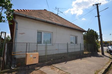 Rodinný dom na predaj v Leviciach, Rezervované - DSC_0670_4cf898867135b81921be885787b3e2e9