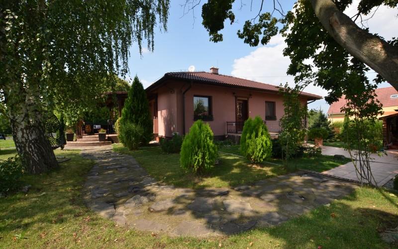 Štýlový rodinný dom s krásnym pozemkom  - DSC_0782_62fead06e3903db6922d70ea6512b9e2