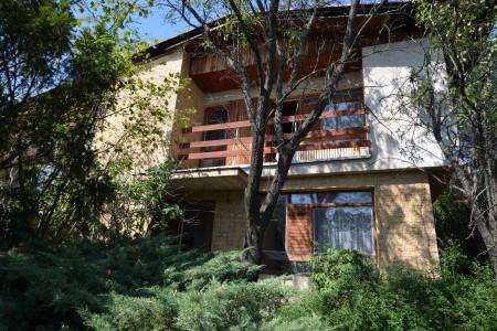 Na predaj rodinný dom poskytujúci dokonalé súkromie v Nitre časť Zobor - DSC_0904_3e596eed4258ce7ae2738711a40b178b