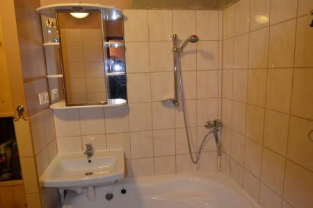 REZERVOVANÉ. Na predaj pekný 3 izbový byt na Dopravnej ulici v Leviciach - DSC_1001_14ded1a31f8900deaa1842748e0b8249