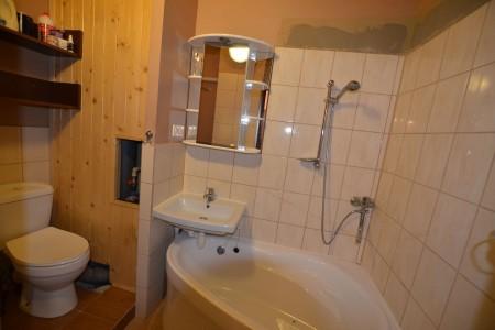 REZERVOVANÉ. Na predaj pekný 3 izbový byt na Dopravnej ulici v Leviciach - DSC_1003_f9a8bd490530722ae29439d79a453b1d
