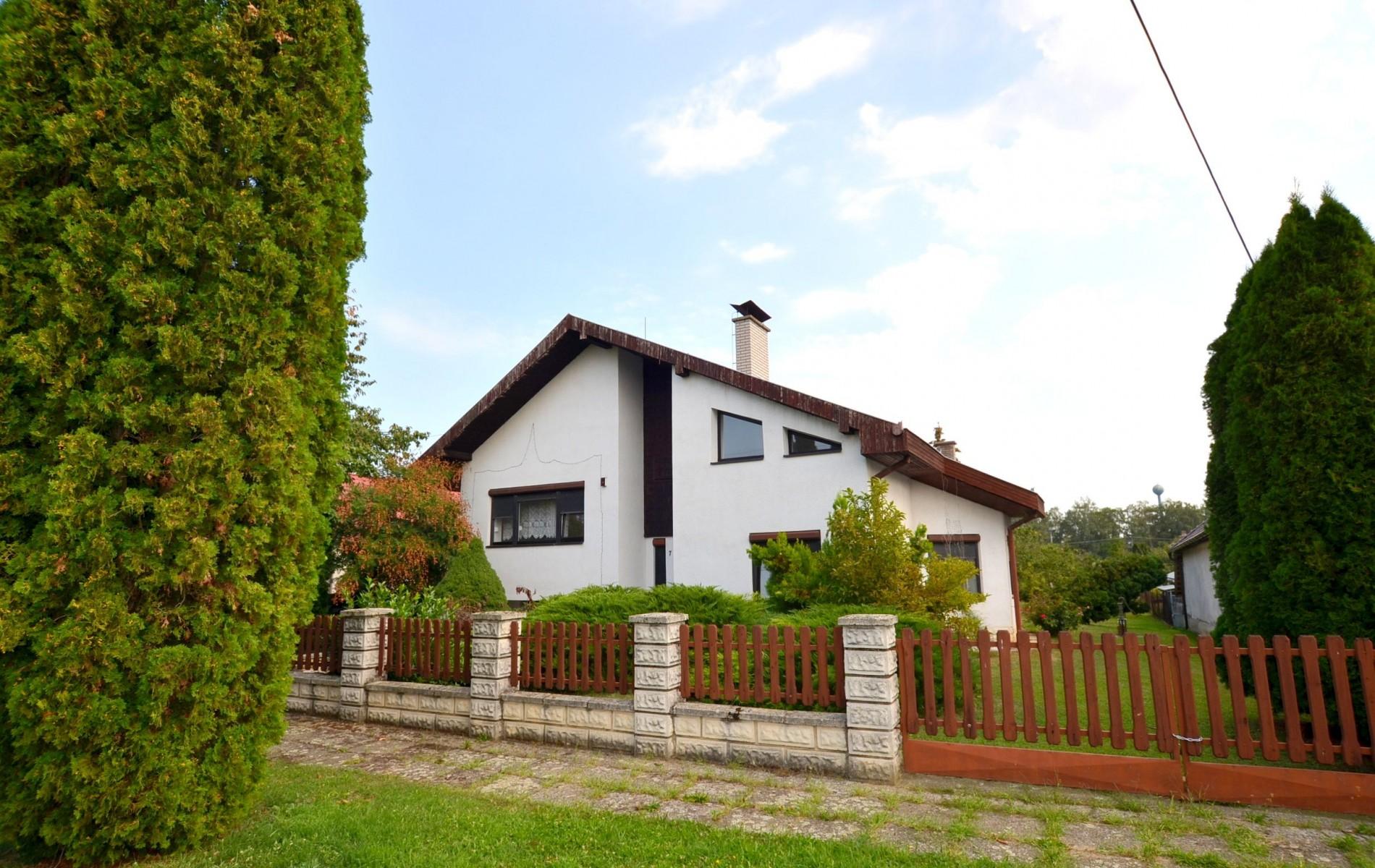 Priestranný rodinný dom v obci Veľký Ďur časť Rohožnica - DSC_7515