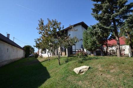Priestranný rodinný dom v obci Veľký Ďur časť Rohožnica - DSC_7515_c3b489dbc7e8771a959942bfce351211