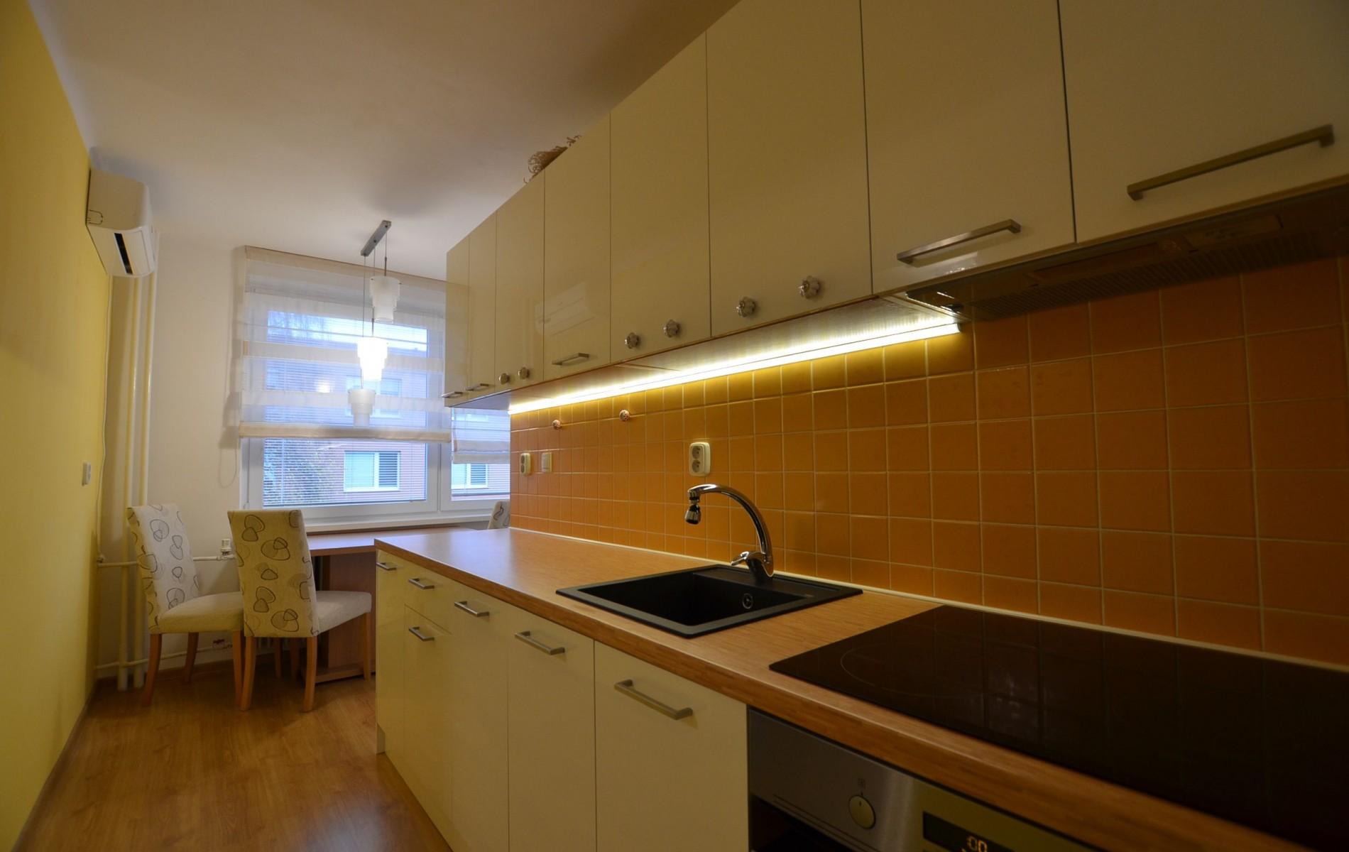 Na prenájom krásny 2 izbový byt v tichej lokalite  - DSC_7903
