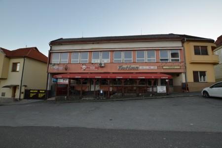 Na predaj Polyfunkčný podnikateľský objekt v Pukanci  - DSC_8072_fc3a8466b27ebf338ca3885a21ffbb64