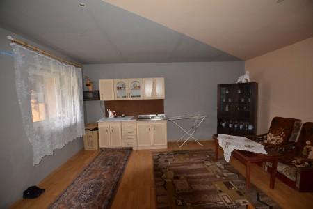 Rodinný dom s veľkým pozemkom, Tekovské Lužany - DSC_8859_dc668b0598308f69cf619869fcf9e1a0