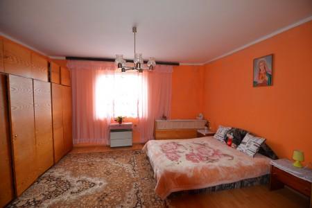 Rodinný dom s veľkým pozemkom, Tekovské Lužany - DSC_8862_8861a6564af0a9cc4a9c73d74e83c680