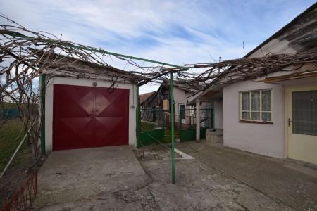 Rodinný dom v tichej časti obce Jur nad Hronom - DSC_8947_41b9f463352e44e232308b11033dde31