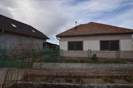 Rodinný dom v tichej časti obce Jur nad Hronom - DSC_8949_fc0715de3bdeed3959163c3d53fa39b4