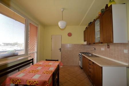 4 - izb.byt M.R.Štefánika s 2 balkónmi -Levice - DSC_9045_dee54f1bc15222a6fa6c137c75e2c28e