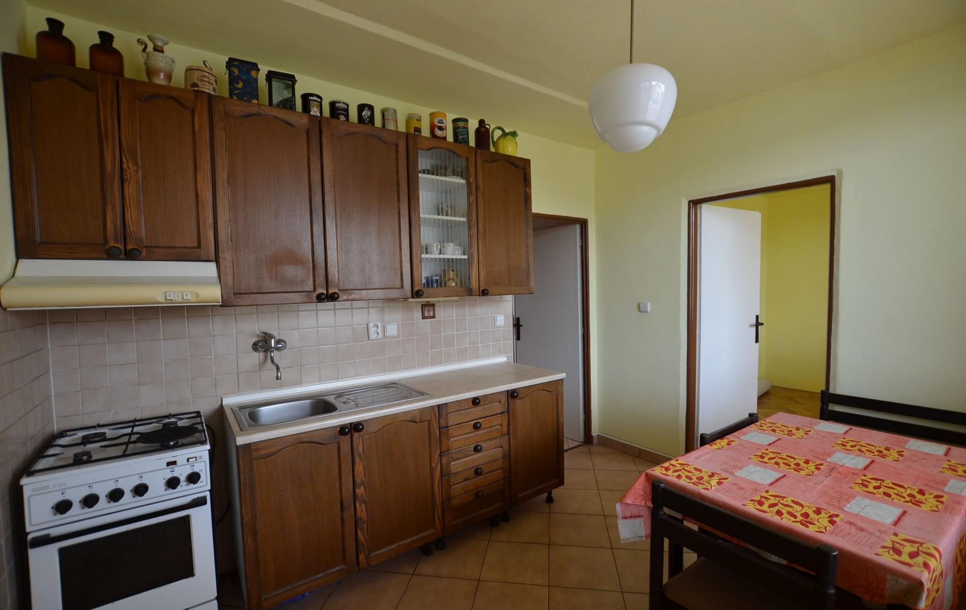 4 - izb.byt M.R.Štefánika s 2 balkónmi -Levice - DSC_9057