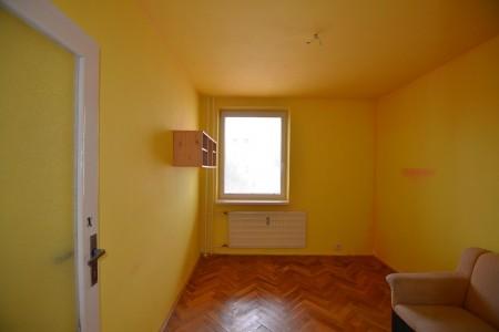 4 - izb.byt M.R.Štefánika s 2 balkónmi -Levice - DSC_9051_72c8031d00d66c1ea865ea6f1438db13