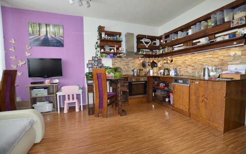 Ponúkame na predaj rekonštruovaný 3 izbový byt na Ľanovej ulici v Leviciach - DSC_9811_Y_kopia_04b25a9e23d9ae961f57523bdba650eb