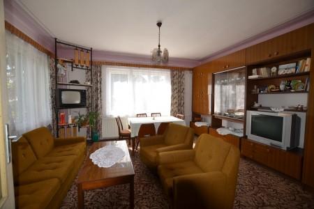 Ponúkame na predaj dvojpodlažný rodinný dom v obci Horný Pial - DSC_9944_421b3d694b1537028e8c1d2458b2a4ef
